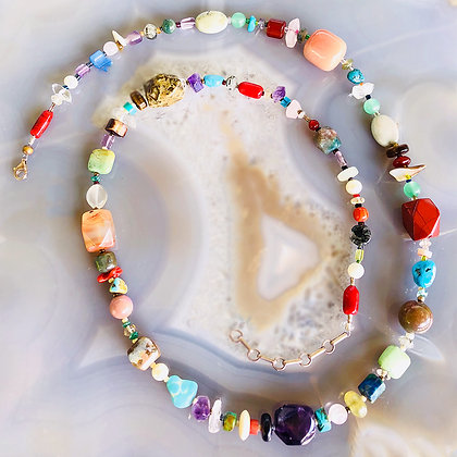 Semiprecious stone and shell beads necklace