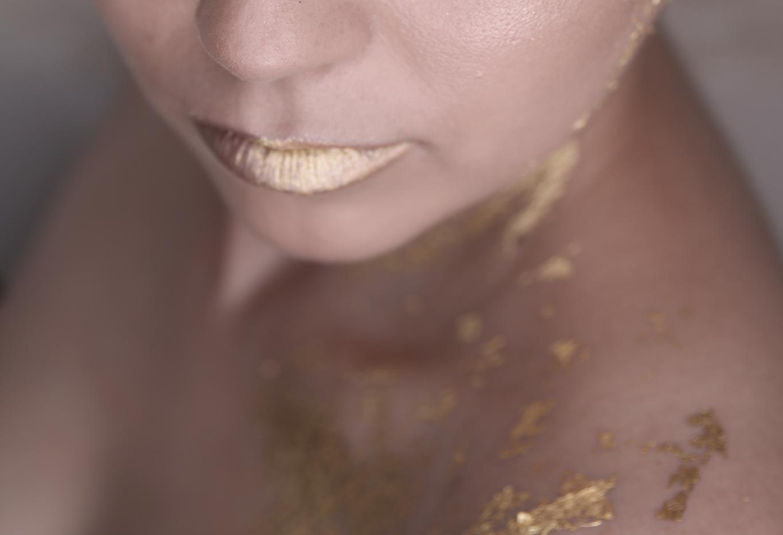 gold-leaf-make-up-16.png