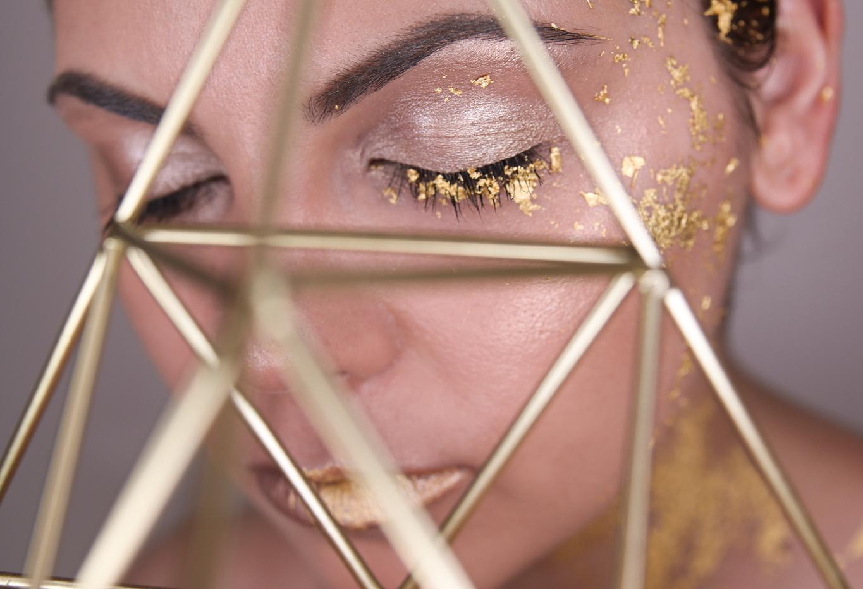 gold-leaf-make-up-6.png