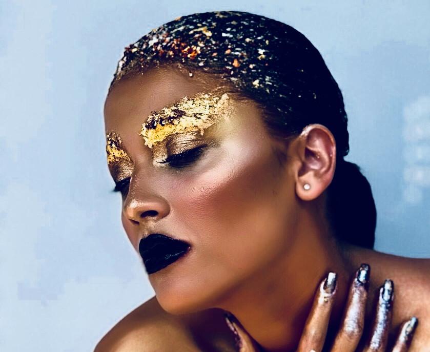 gold-leaf-make-up-7.jpg