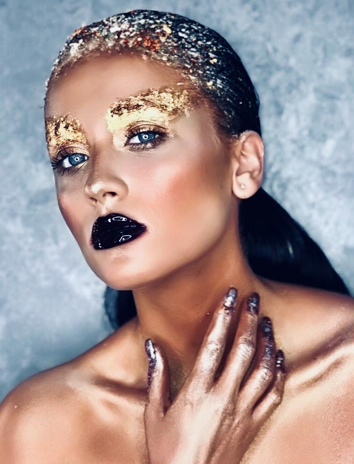 gold-leaf-make-up-3.jpg
