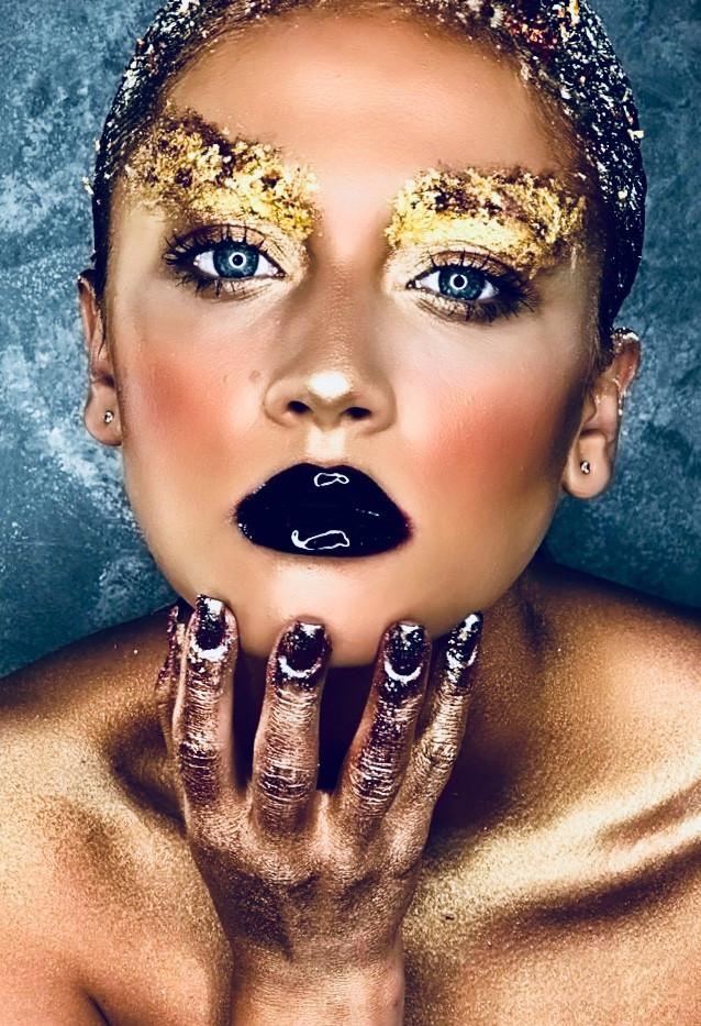 gold-leaf-make-up-10.jpg