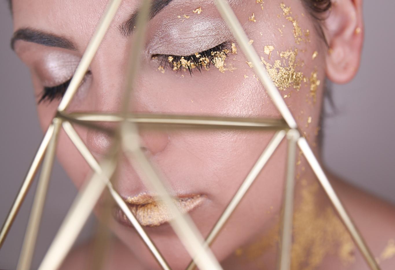 gold-leaf-make-up-7.png