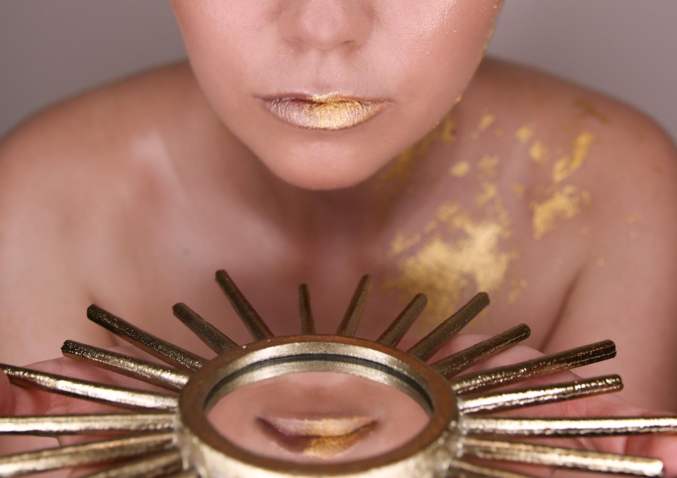 gold-leaf-make-up-12.png