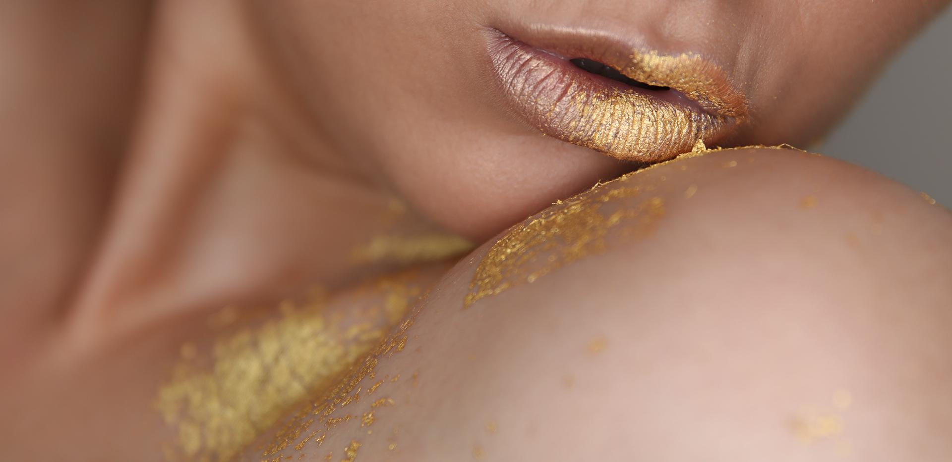 Gold leaf make-up