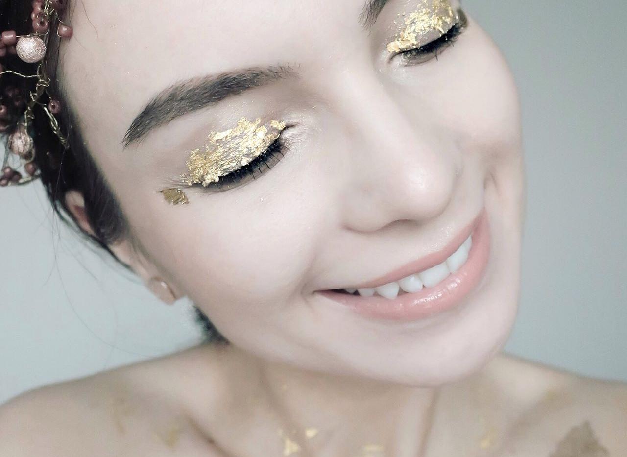 gold-leaf-make-up-5.jpg