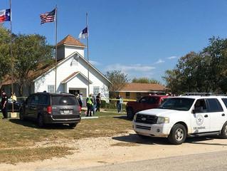 Fusillade au Texas: Un homme armé d'un fusil d'assaut tue 26 personnes dans une église