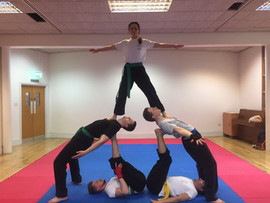 pa-kua_uk_acrobatics_06.jpg
