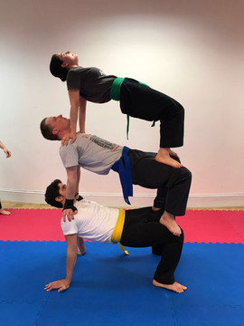 pa-kua_uk_acrobatics_07.jpg