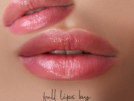 הדגשת שפתיים בטכניקת אקוורל