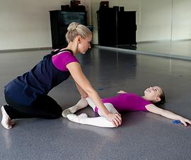 Stretching w sportach gimnastycznych.png