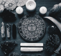 e66e114d5be6bb766be87012fed33886--male-witch-pagan-altar