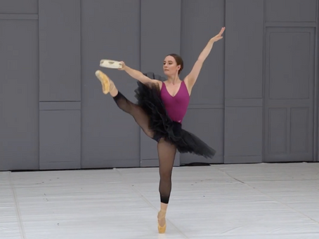 Vidéo // La Esmeralda, variation du tambourin acte III