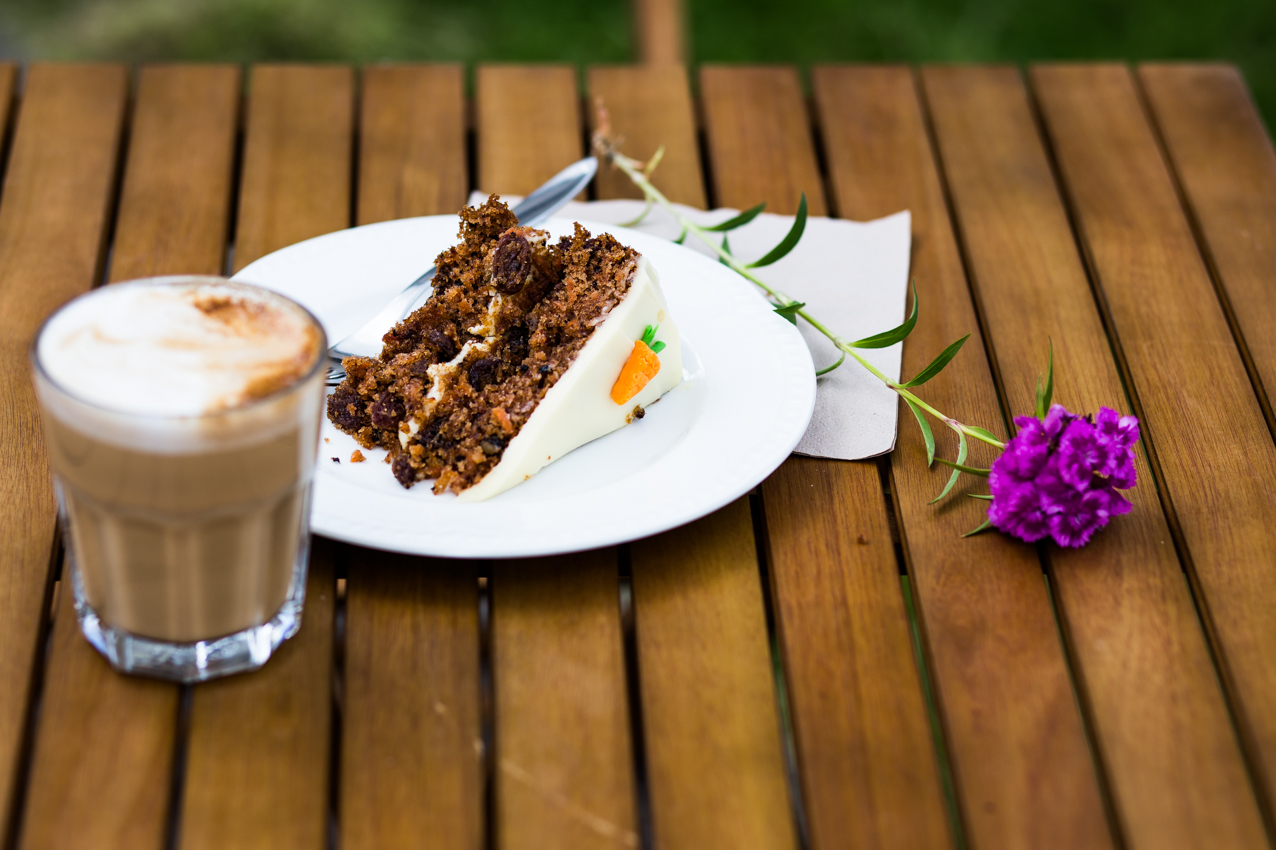 Cappucino, Carrot Cake and flower.