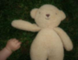 babys-hand-5231423_1920.jpg