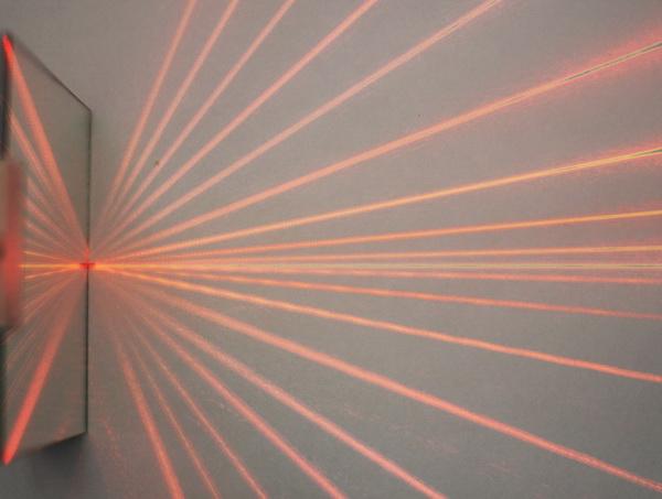 Laser_Specchio_Sovrapposizione_resize
