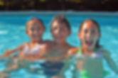 ninos-jugando-en-la-piscina.jpg