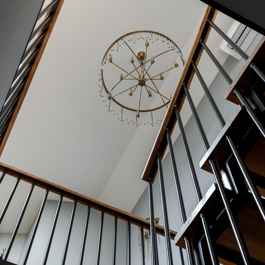 лестница металлокаркас и массив дуба