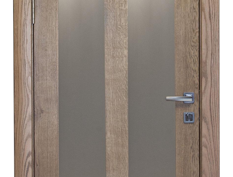 Дверное полотно из дуба с матовым стеклом