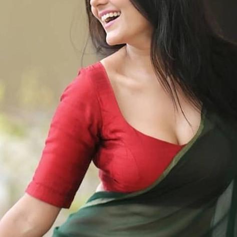 Hot girl for service in Ranchi