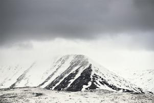 Driving through Scotland - The Highlands.