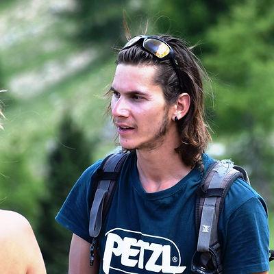 Ugo_accompagnateur_en_montagne_Montagne-