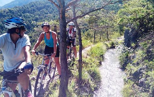 summit_culture_découverte_en_famille_vtt_Hautes-Alpes_edited.jpg