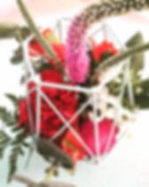 פרחים בכלי גיאומטרי (אפשר לבחור צבע).jpg