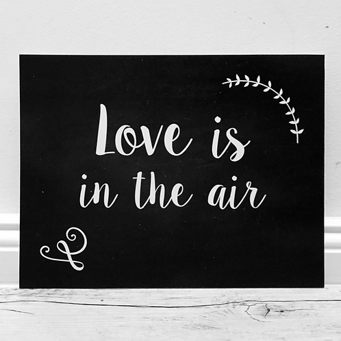 """Schild """"Love is in the air"""" // schieferfarben"""