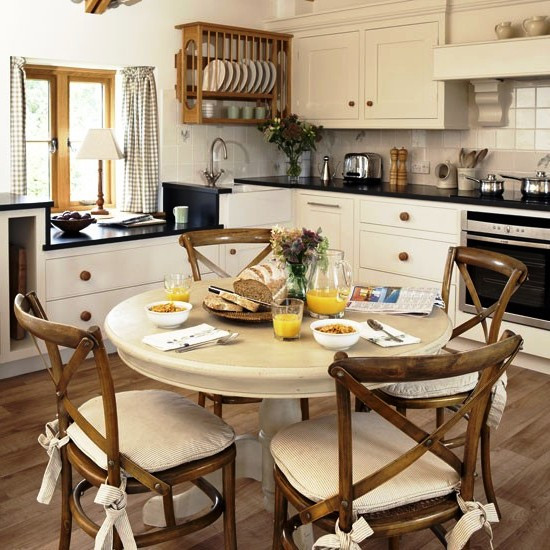 SCM Design Group country style kitchen