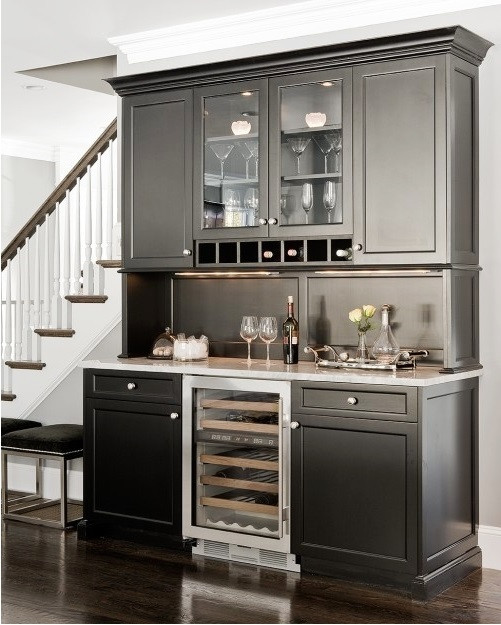SCM Design Group Elegant wine cabinet