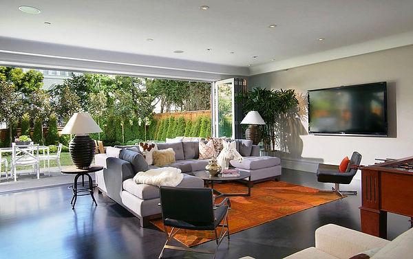  SCM Design Group open outdoor and indoor living space