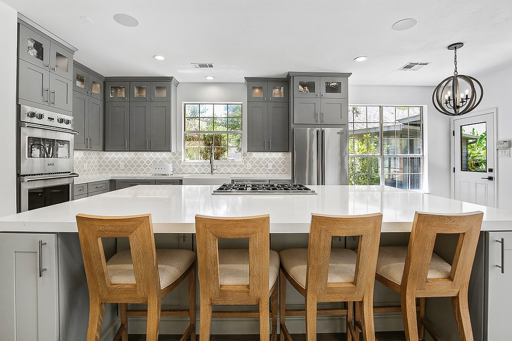 SCM Design Group traditional kitchen with white island