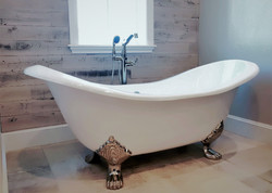 SCM Design Group Claw foot tub