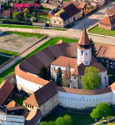 Cetatea-si-Biserica-de-la-Prejmer.jpg