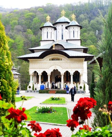 manastirea-lainici-2.jpg