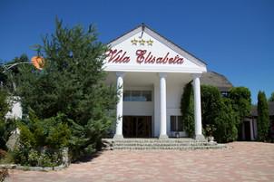 vila-elisabeta-viziteaza-alba-iulia1.jpg