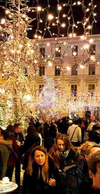 wmsc_Croatia_Zagreb_Christmas-Market_Nig