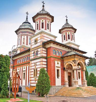 Manastirea-Sinaia-din-orasul-Sinaia.jpg