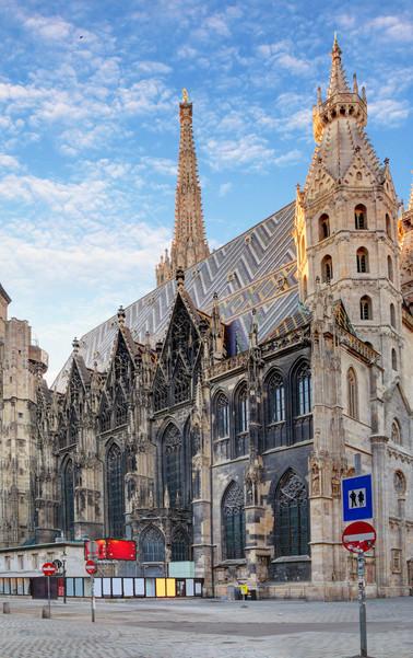 Fotolia_100403602_St.Stephan_Cathedral_V
