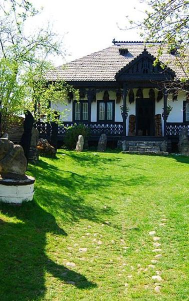 adelaparvu.com-despre-Muzeul-Popa-Tarpes