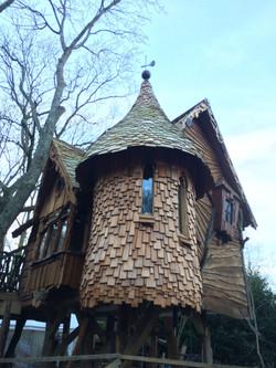 Blackberry Wood campsite treehouse