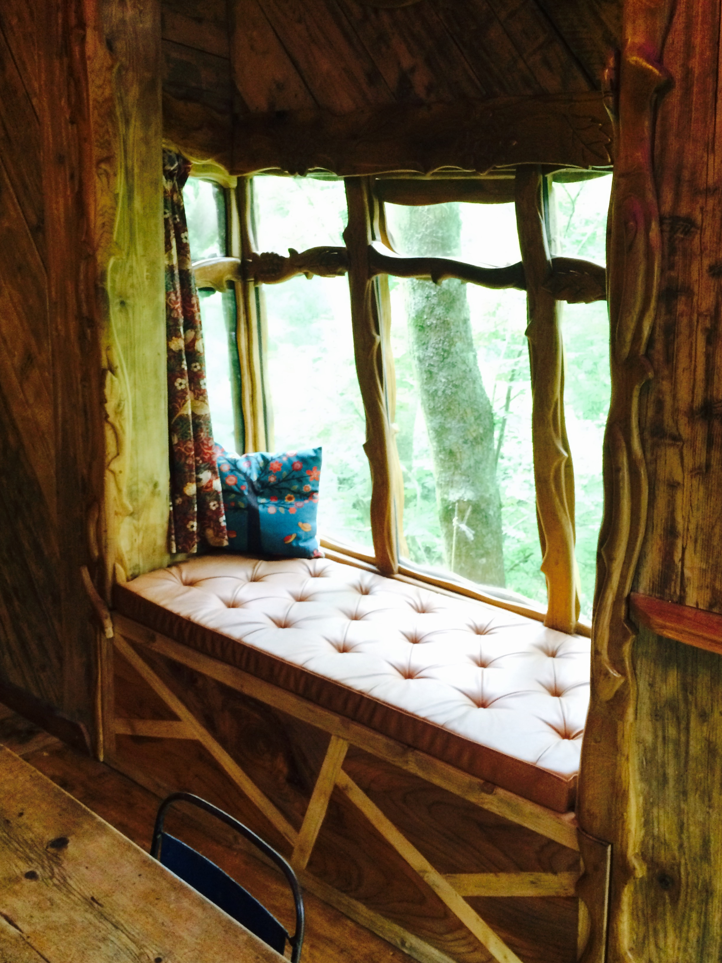 Blackberry Wood campsite treehouse snug view