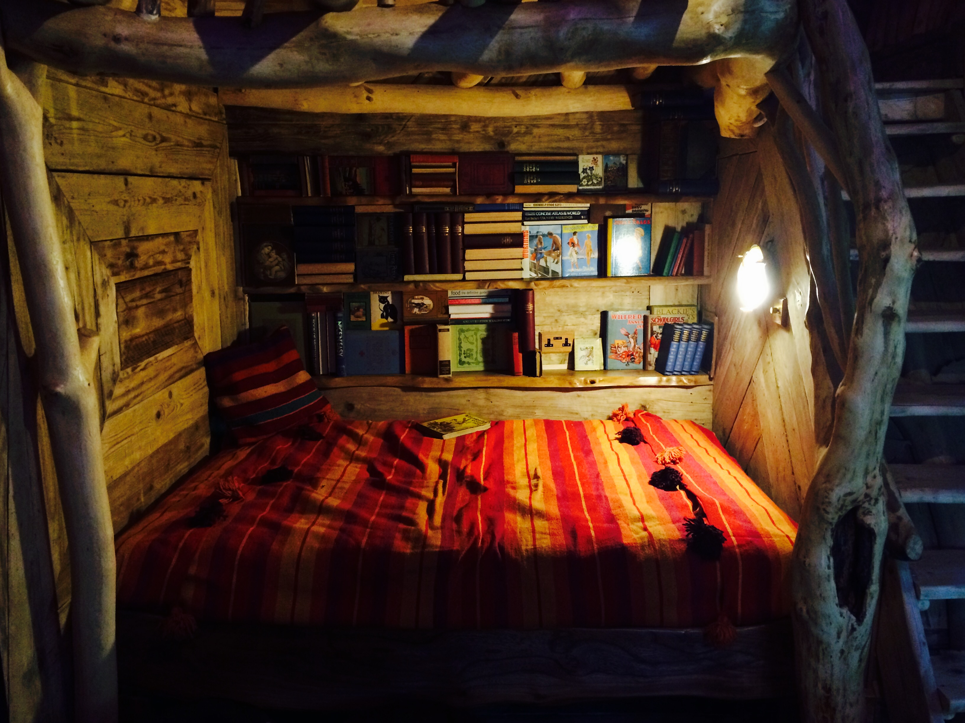 Blackberry Wood campsite treehouse bed'n'books view