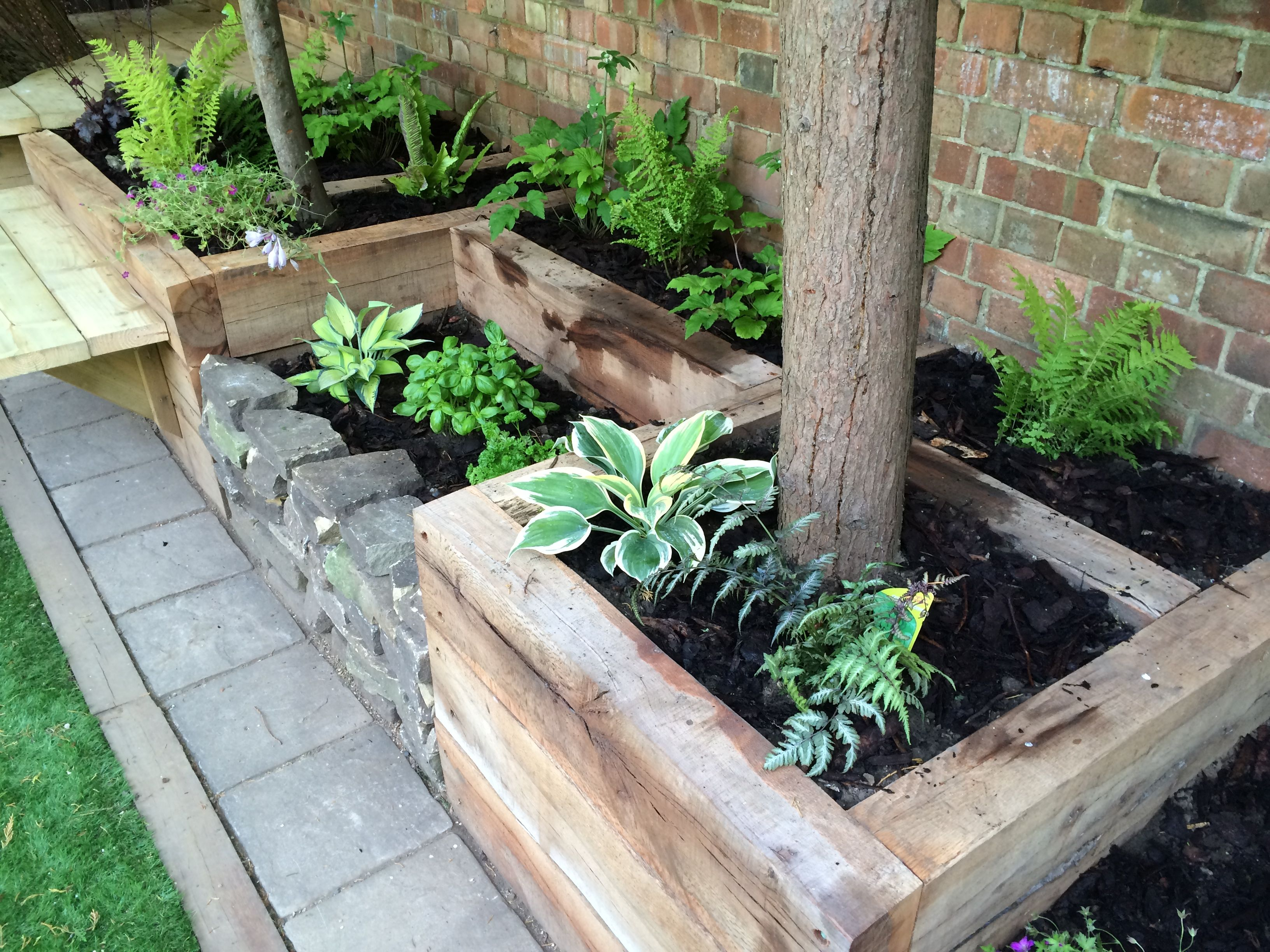 Rail sleeper/natural stone planters
