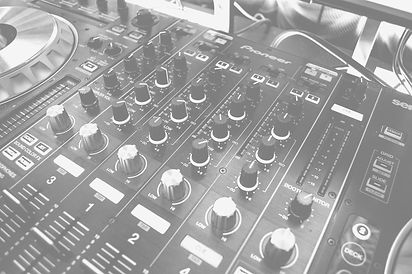 Music%252520Mixing%252520Equipment_edite