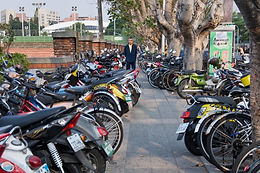 The pedestrian environment around the Tainan Railway Station