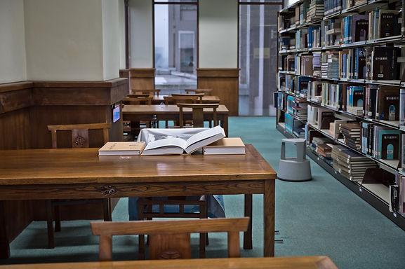 接近期末考的暨大圖書館