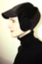 schwarze Radkappe aus Baumwollcord