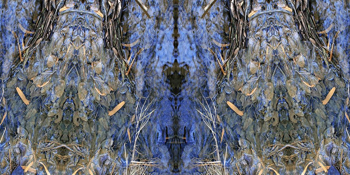 blau-buntes Jerseykleid LYRELLE mit künstlerischem Stoffdruck